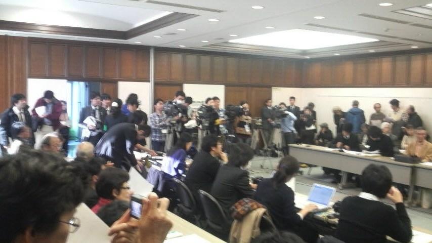 11.12.15木村裁判判決勝利⑥.JPG