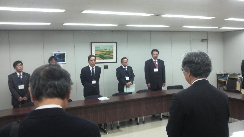 11.12.7教育全国署名教育次長要請.JPG