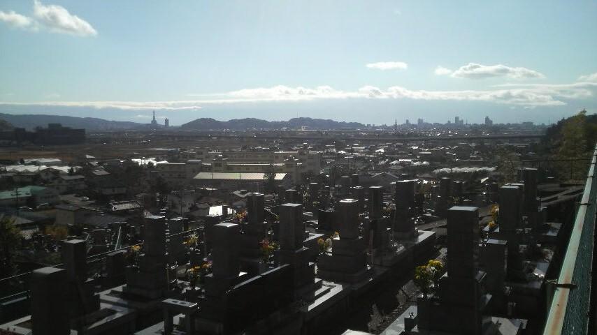 12.12.29治人の墓から臨む②.jpg