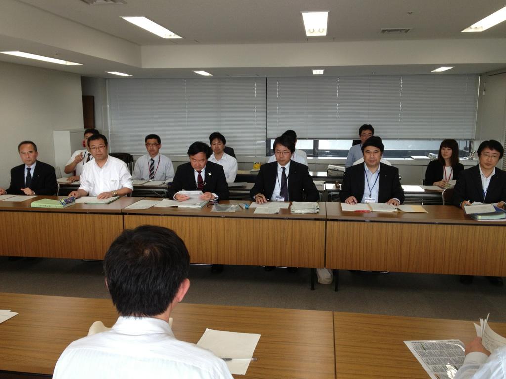14.5.13県教育次長交渉・給料の調整額削減.jpg