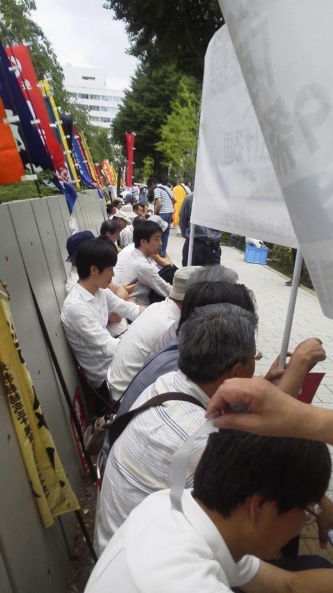 15.6.23戦争法案反対国会座り込み③.jpg