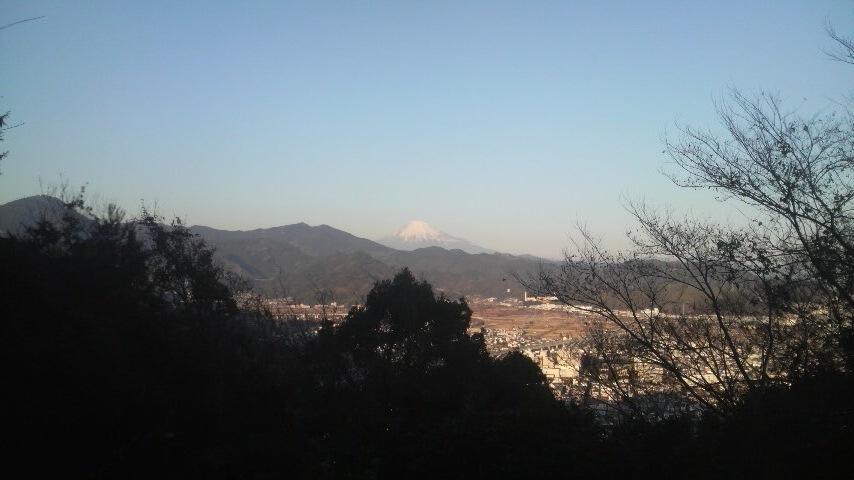 11.1.8富士山 遠望 賤機山から.JPG