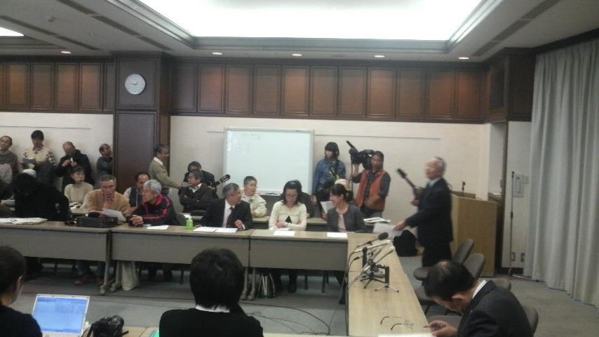 11.12.15木村裁判判決勝利⑦.JPG